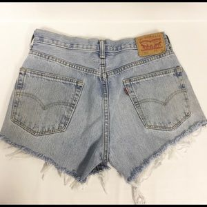 Levi's cut off shorts light wash 550 line size 32